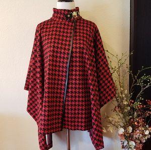 Ann Klein Classy Red/Black Poncho Style Sz Large